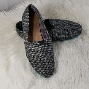 Toms womans size 8